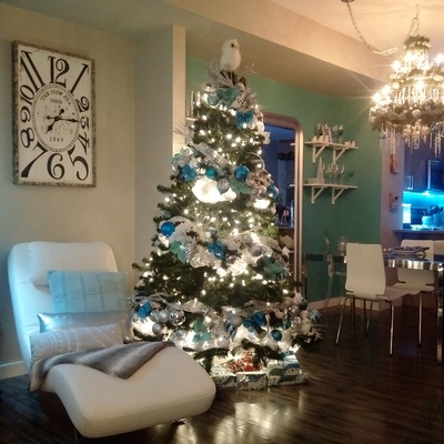 Christmas Staging while selling your house
